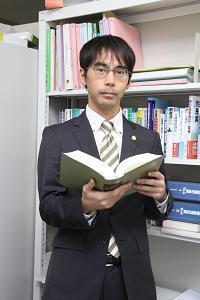 画像131111(山下江法律事務所 弁護士 松浦亮介).JPG